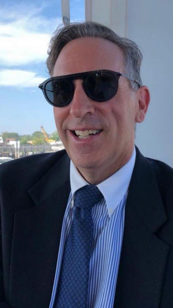 Dr. Steven Phillipson